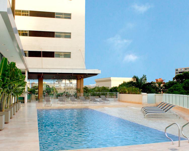 POOL ESTELAR En Alto Prado Hotel Barranquilla